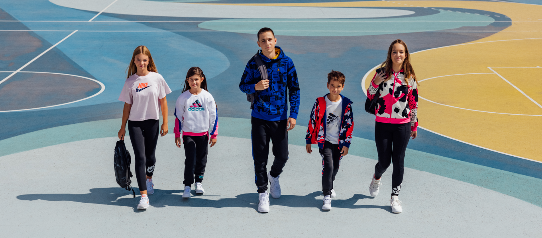 3,2,1…POČINJE ŠKOLA  Odlična akcija 2+1 na odabrani KIDS asortiman čeka te u Sport Vision trgovini.